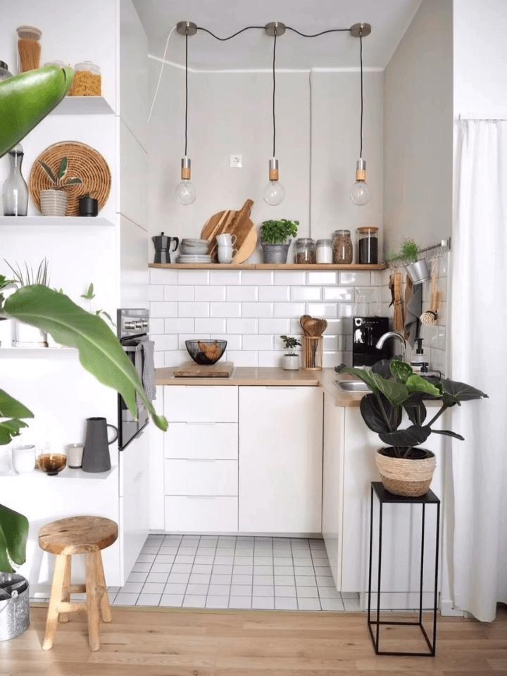 mini cocina con zona de almacenaje