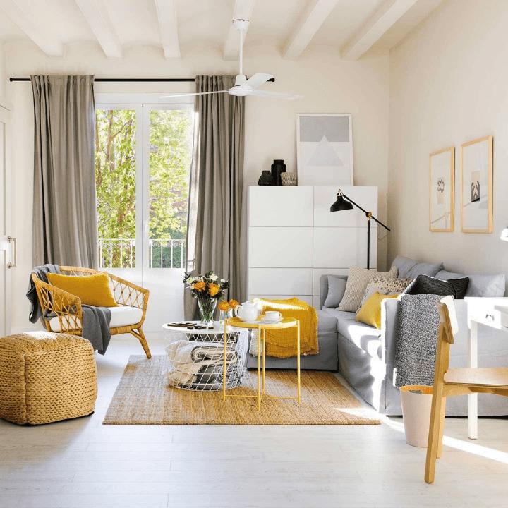soluciones para pisos pequeños: salones pequeños con un toque de color