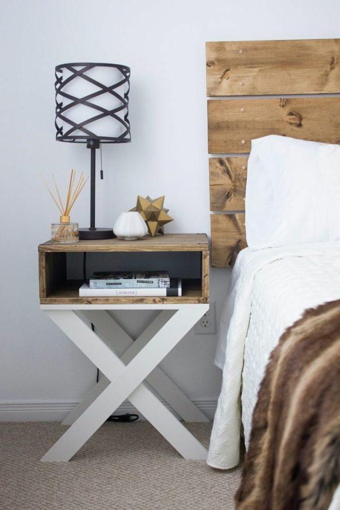 Cabecero en madera natural para el dormitorio