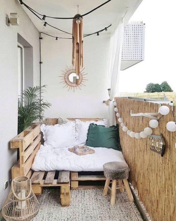 muebles con palets. Ideas para decorar balcones pequeños