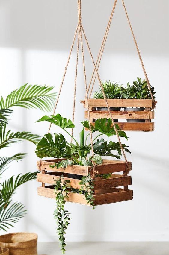 maceteros colgantes de madera
