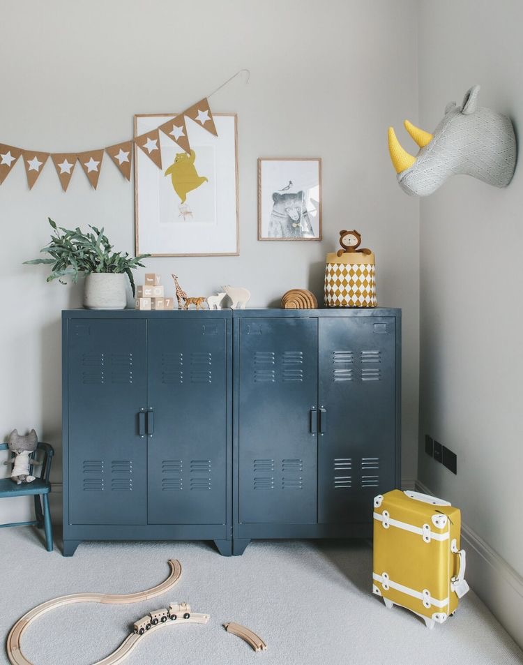 Taquillas y armarios metálicos para cuartos infantiles