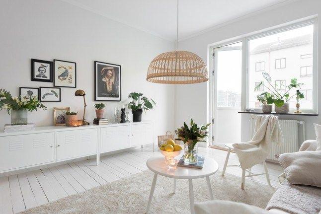 Salones estilo nórdico con armarios metálicos para decorar