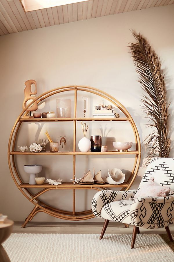 Originales estanterías de bambú