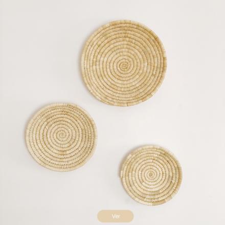 platos decorativos de pared en fibras naturales