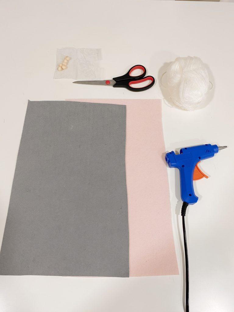 Materiales para hacer flores de pascua para decorar en Navidad