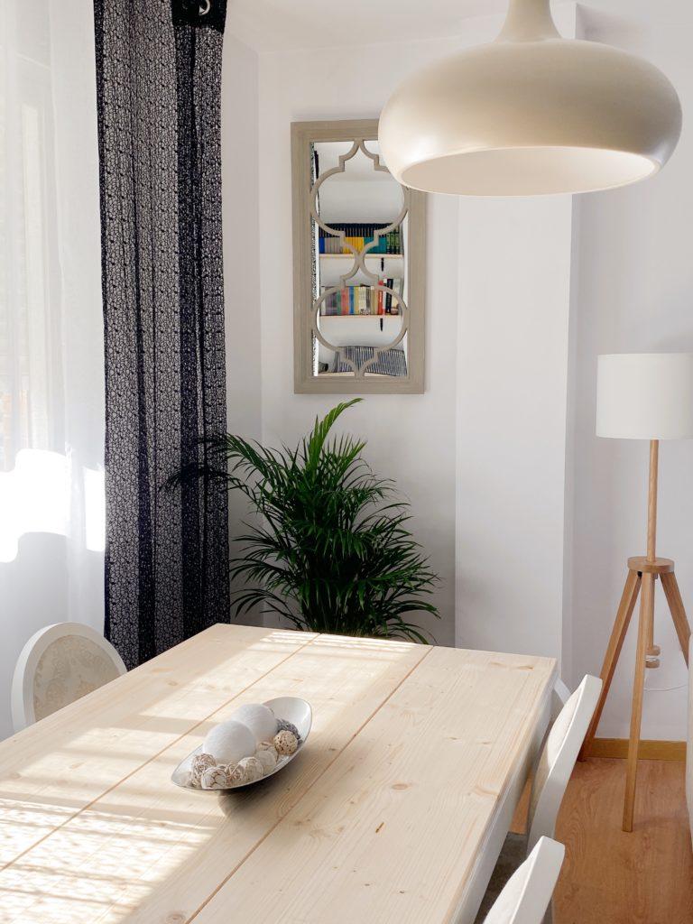 Cambiar el salón sin gastar demasiado. Transformación mesa y sillas salón