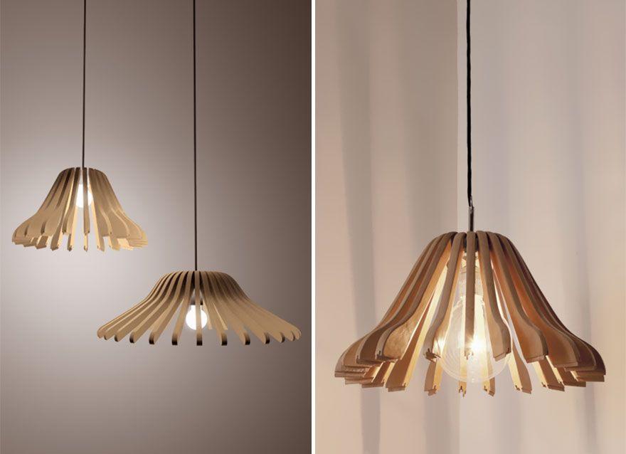 Lámparas con perchas de madera