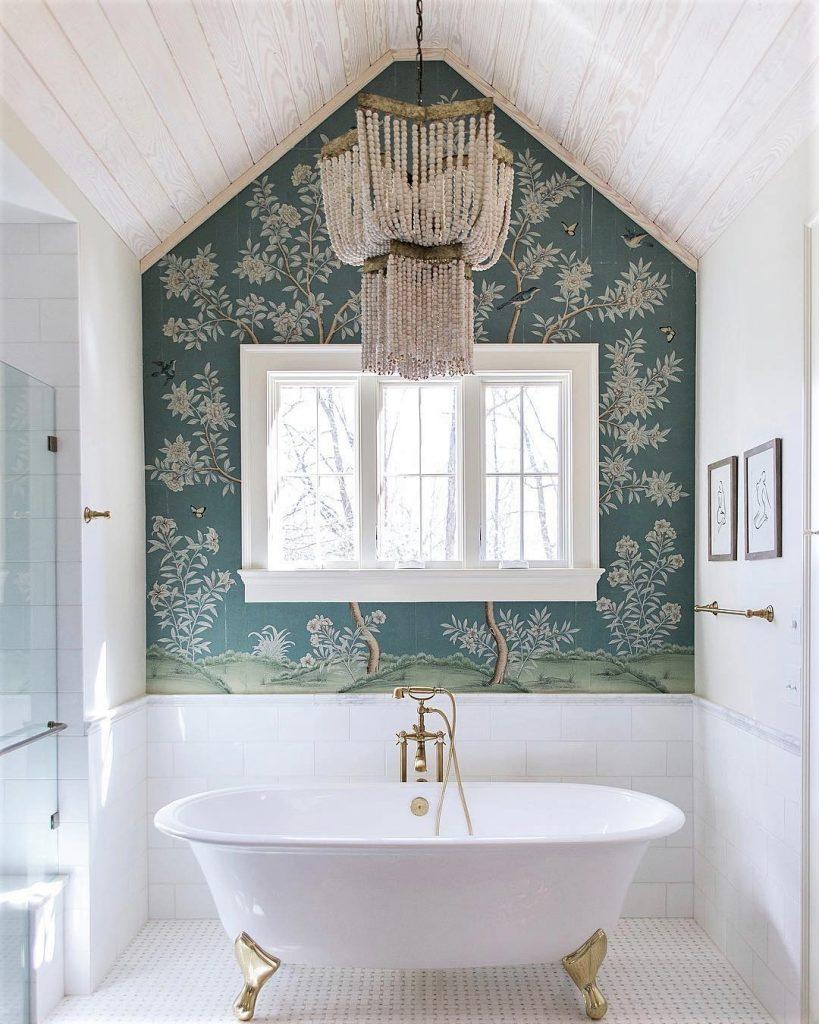 Lámparas de cristal para decorar el baño