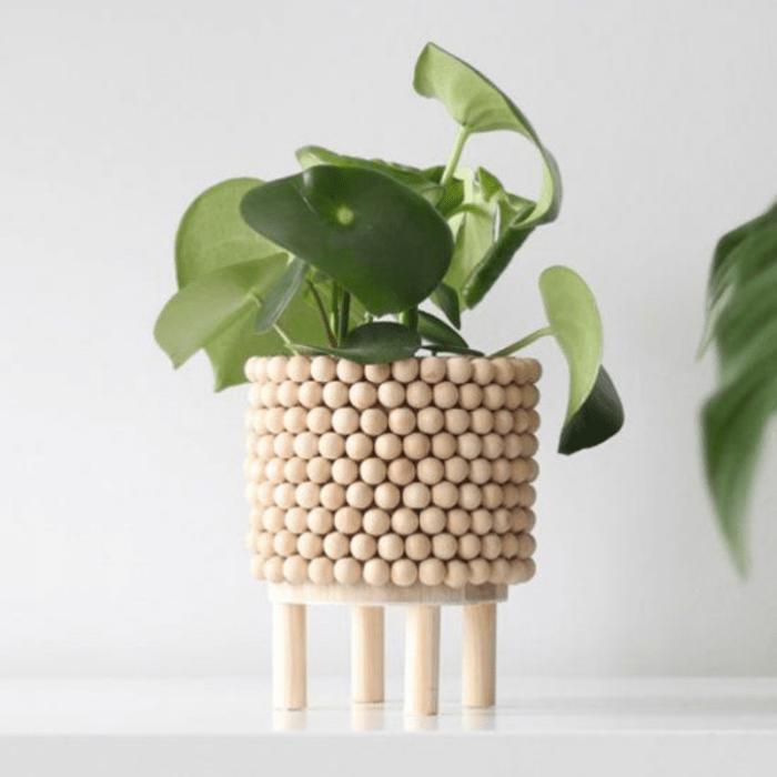 Como hacer un macetero con bolas de madera