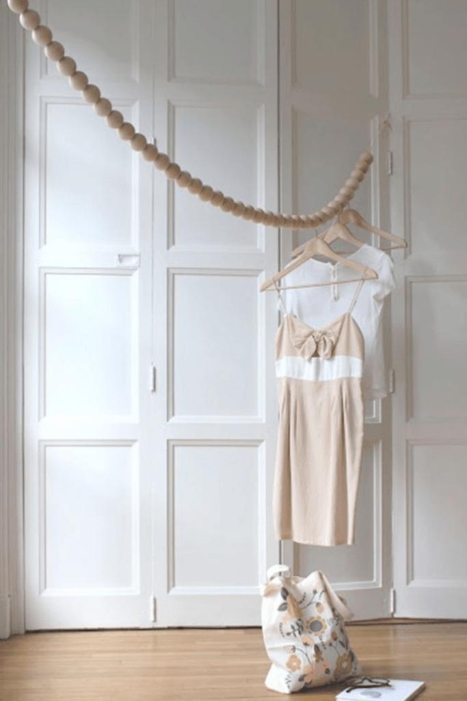 Ideas sencillas y económicas para colgar la ropa