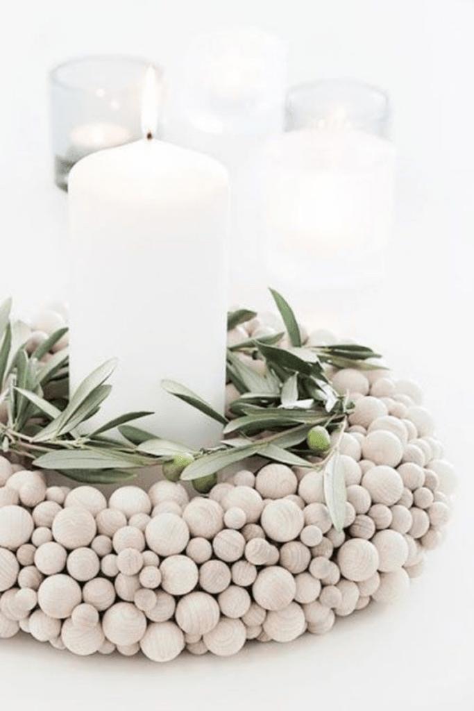 Diy: centros de mesa con bolas de madera