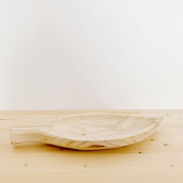 vaciabolsillos de madera con forma de hoja