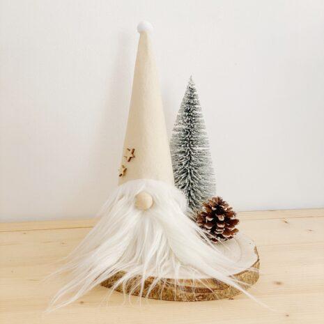 decoración navideña. gnomo blanco