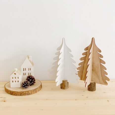 arboles de madera blanco y natural en 3D