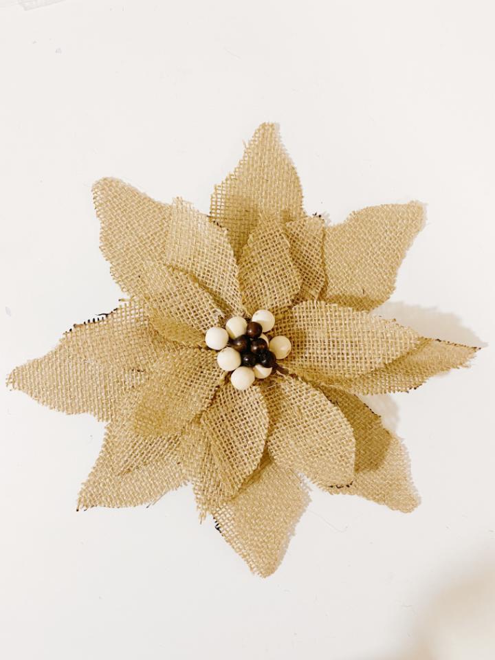 diy navideño: flor de pascua con fibras naturales