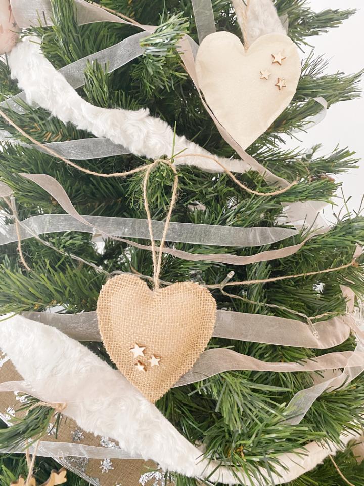 decoración natural: adornos decorativos para el árbol de navidad