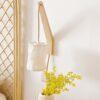 Lámpara de pared en madera y algodón. Decoración nórdica