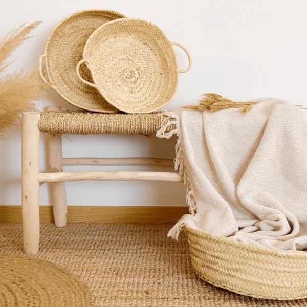 Decoración con cestos de fibras naturales. Estilo rústico