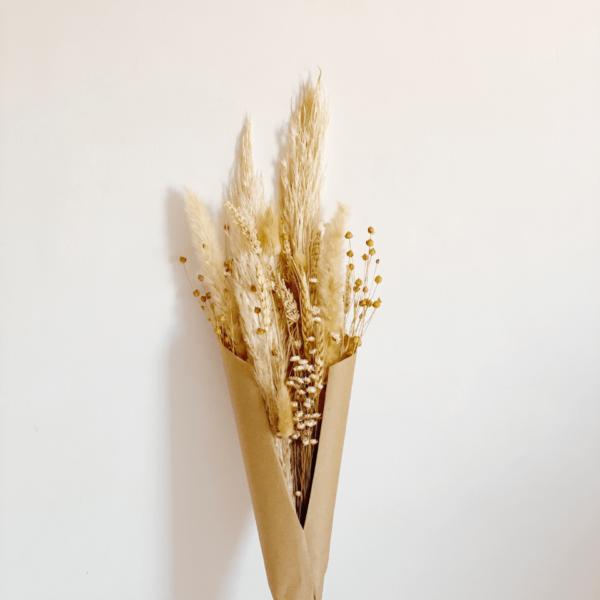 ramo variedad de flores secas color natural